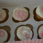 Cupcakes til dåp med rosa pynt